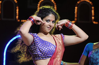 Shifa item song stills in yamuna (2)