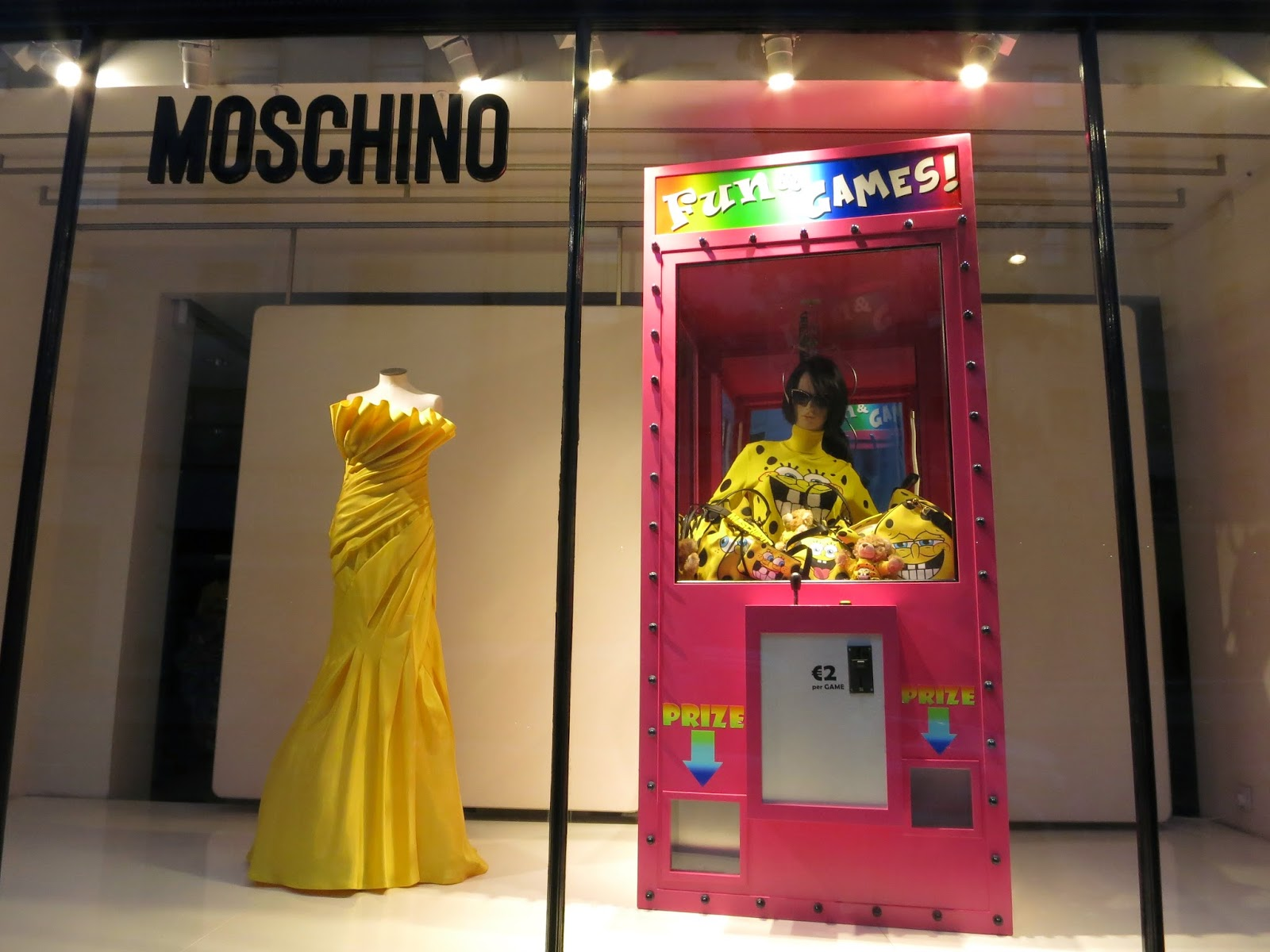 Retailstorewindows Moschino London