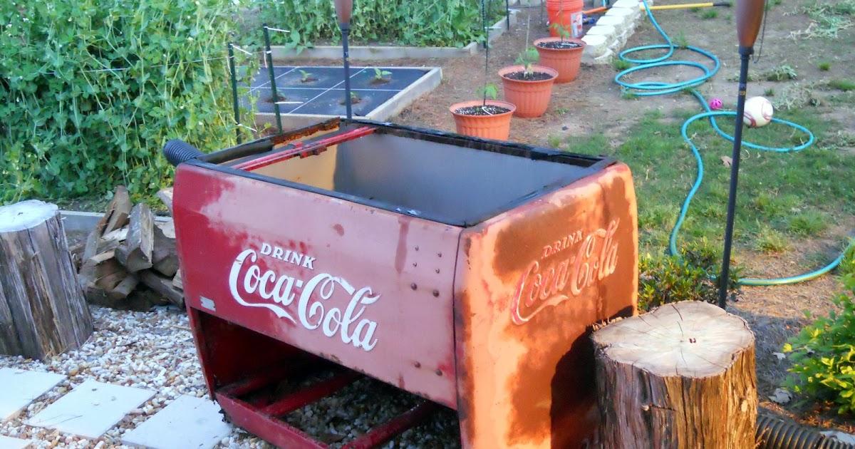 Georgia Home Garden Coca Cola Cooler Pepper Planter Box