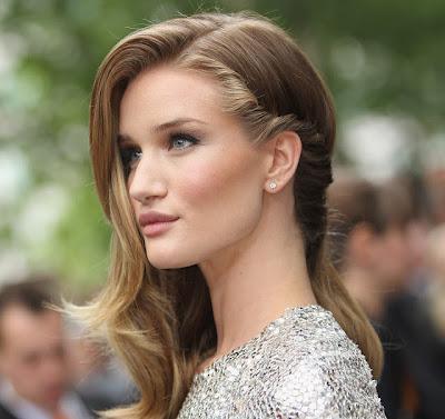 Estilo para cabelo feminino, longo, liso e loiro