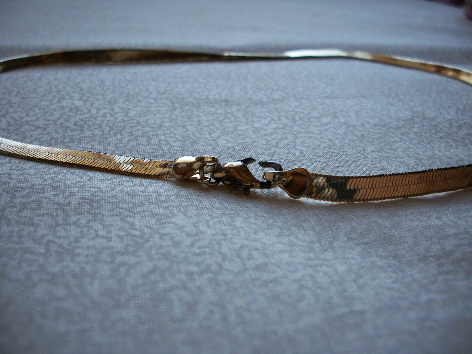 Golden Necklace with Broken Clasp