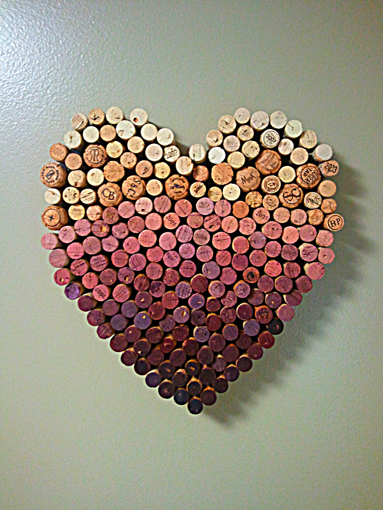 The corner apartment the art of cork for Wine cork crafts for weddings