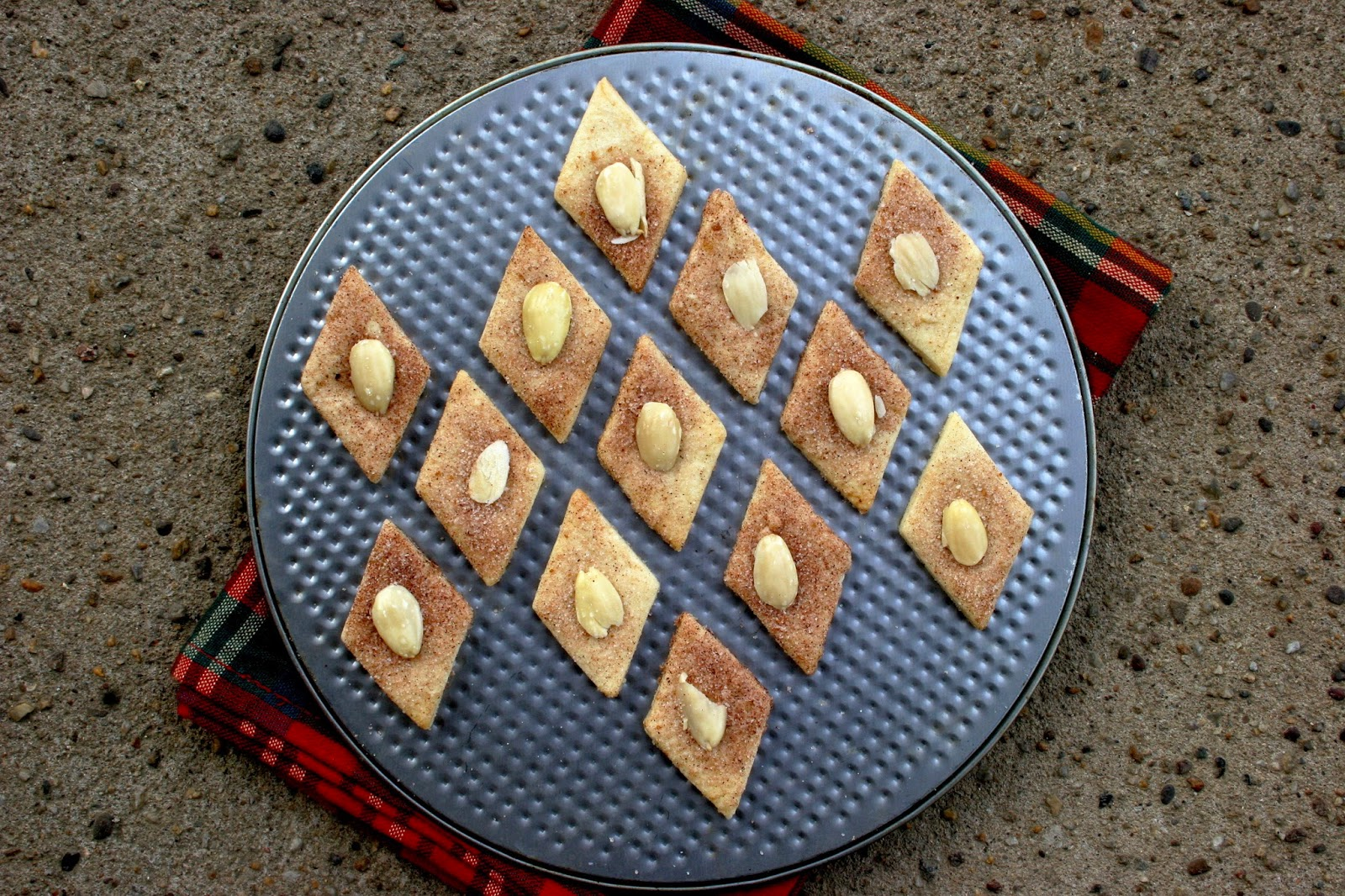 Diamond Cookies with Almond