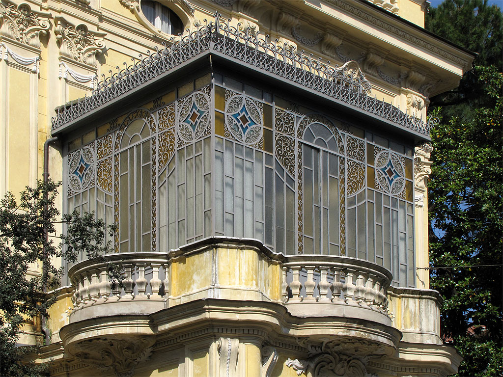 Daily photo stream closed balcony for Closed balcony