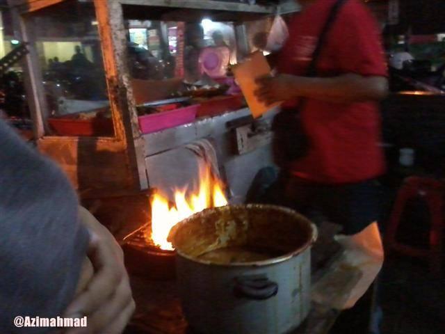 Warung Makan Sekitar Kampus ITS.