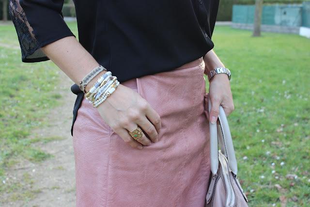 jupe en cuir vieux rose zara, sac clarks