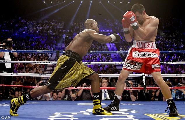 Floyd Mayweather Jr remains undefeated after beating Robert Guerrero