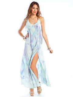 beyaz yırtmaçlı elbise