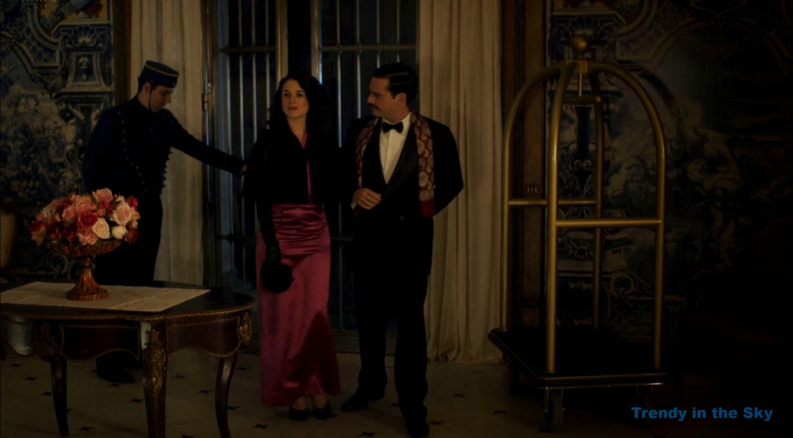 Sira Quiroga vestido morado. El tiempo entre costuras. Capítulo 10