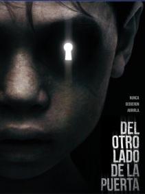 Del Otro Lado de la Puerta en Español Latino