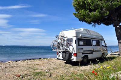 Campingmobil+en+la+playa Wellcome Autocaravanas Wohnmobile Camping Car Motorhome in Calpe