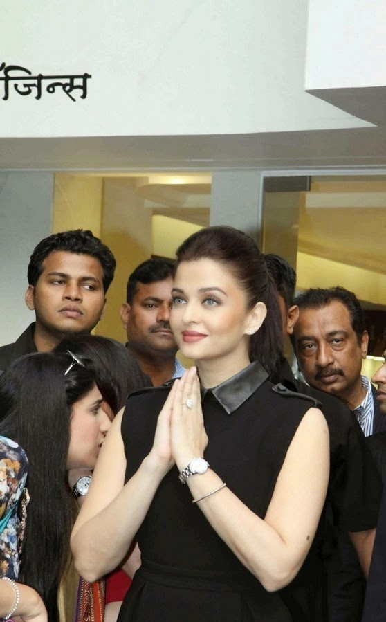 Aishwarya Rai Photos In Black Skirt At Longines Boutique