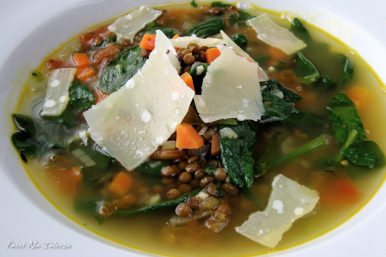 Zupa z soczewicy i szpinaku