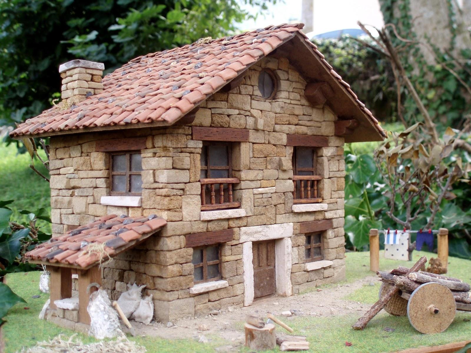 Cope ribadesella 98 3 fm un cabraliego expone sus casas en miniatura en llanes - Casas en miniatura de madera ...