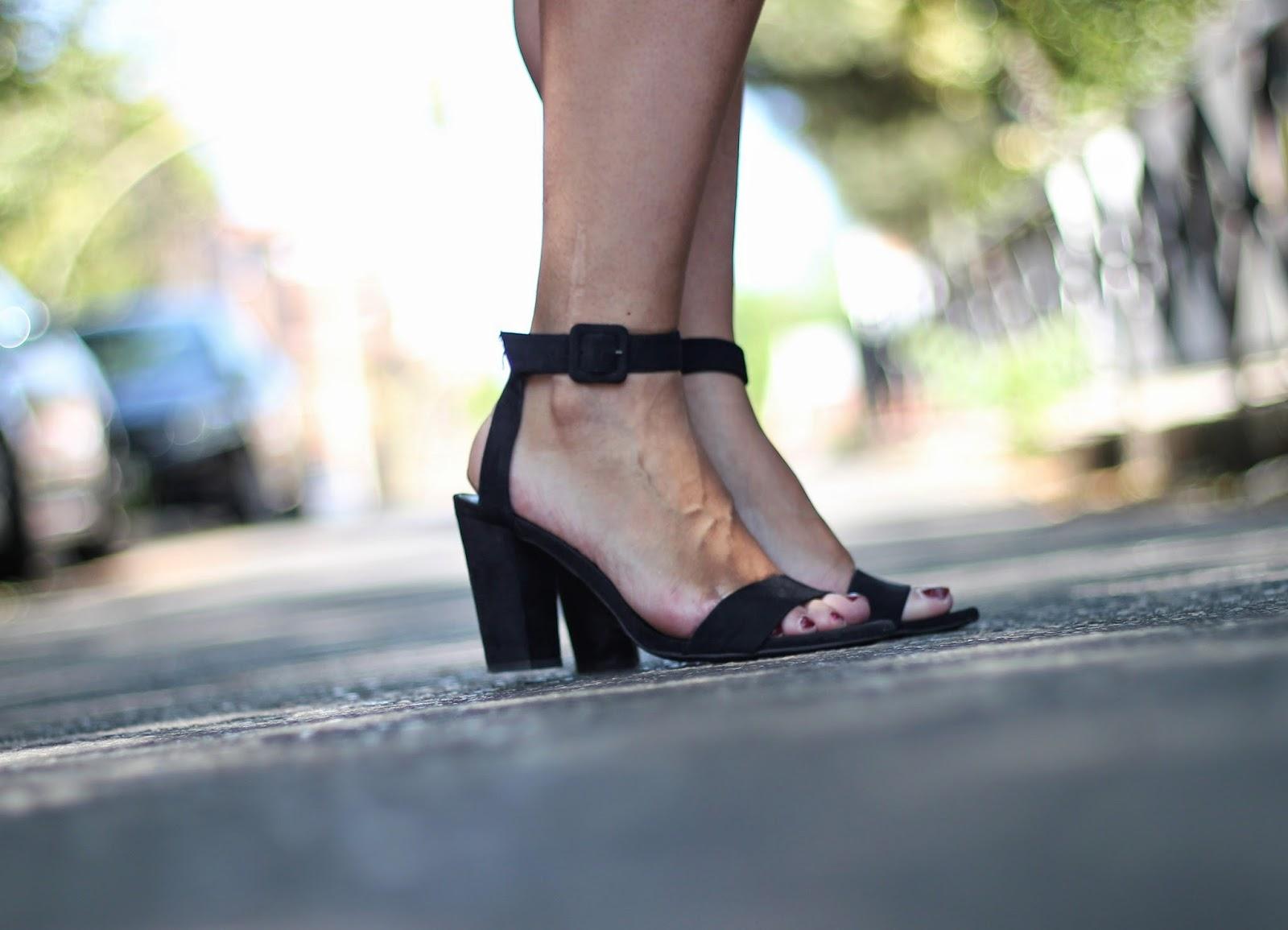 photo-look-black_shirt_palms_skirt_kakhi-zara_shoes