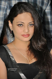 Sneha-Ullal-Stills-at-Crescent-Cricket-Cup-Trophy-Launch