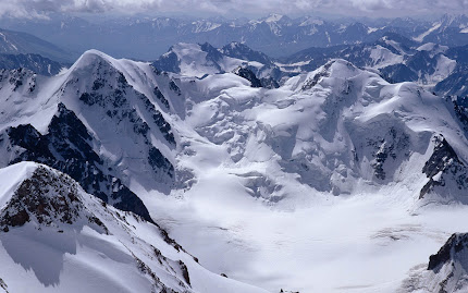 gunung bersalju