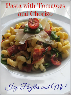 PASTA WITH TOMATO AND CHORIZO