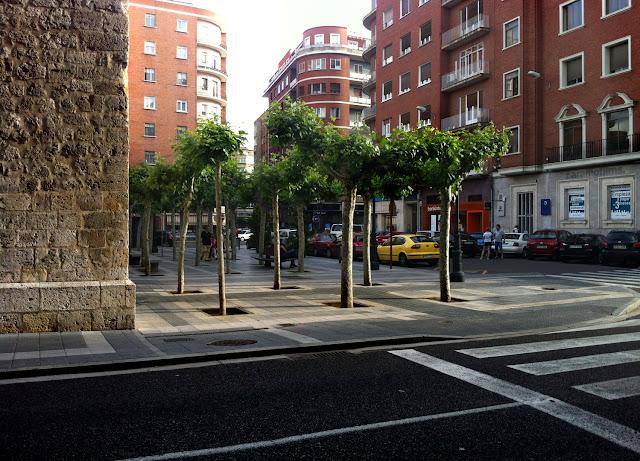 Plaza de un tal Lázaro, 2012 (cc) Abbé Nozal