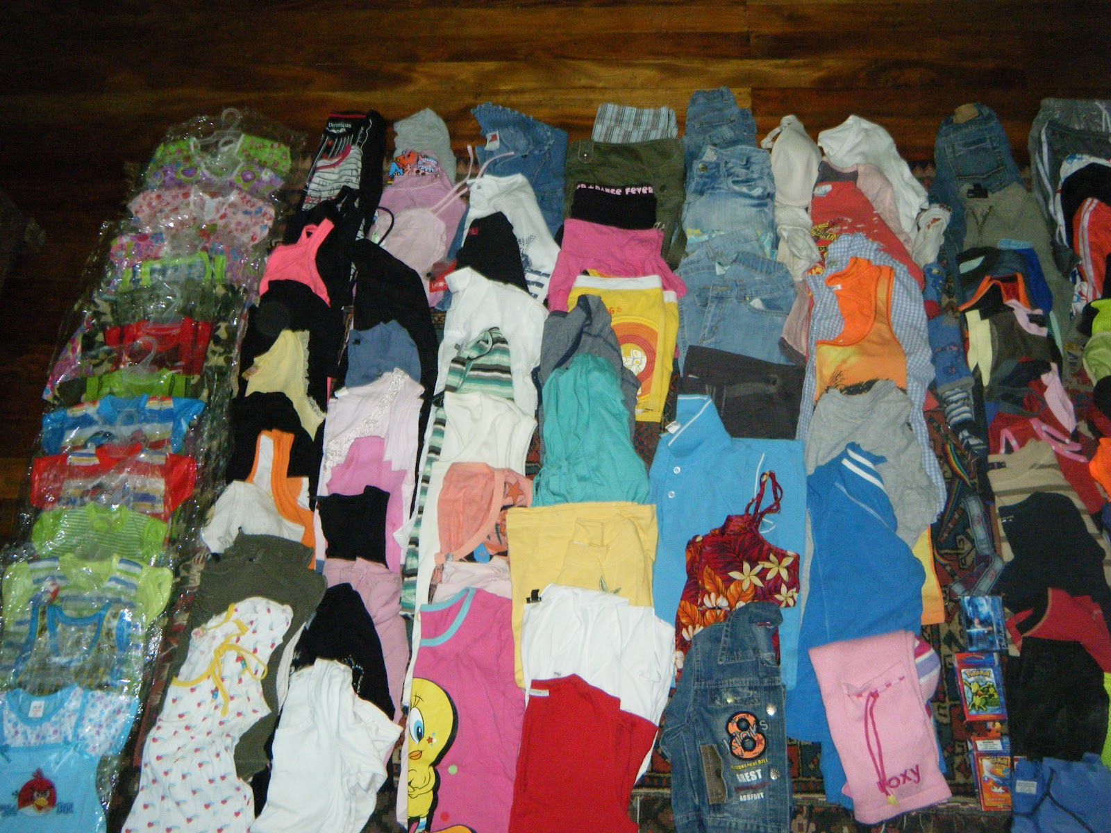 ... was able to buy about 100 pairs of adult and kids thongs / flip-flops