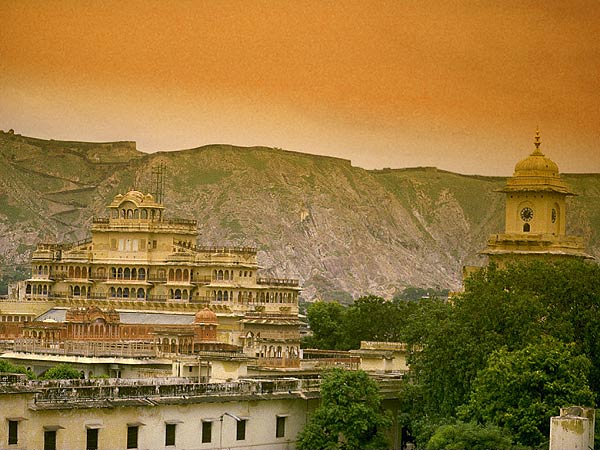 Journey to jaipur the pink city of rajasthan most for Wallpaper for home walls jaipur