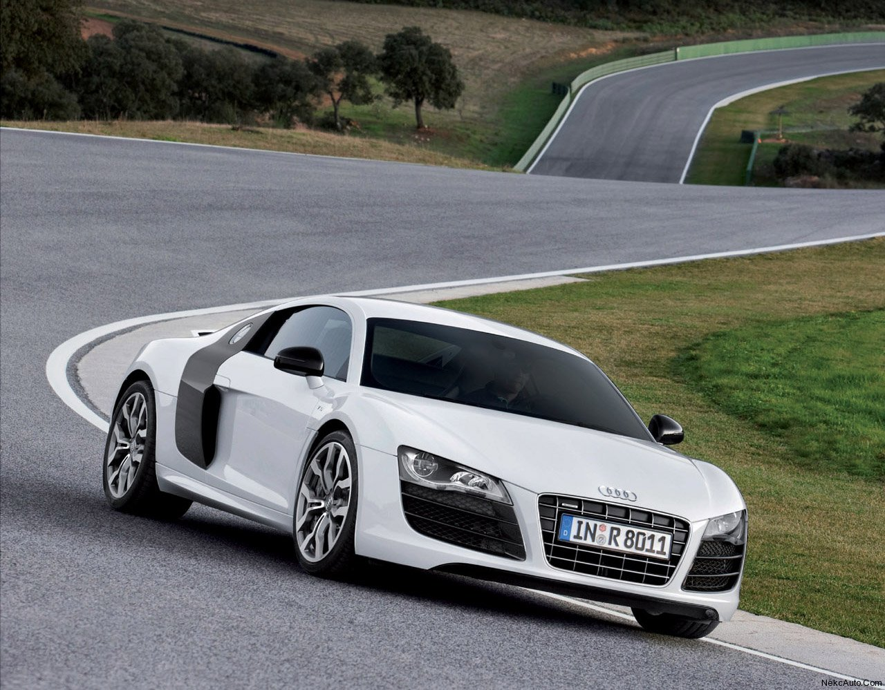 audi r8 v10 review my tech alert. Black Bedroom Furniture Sets. Home Design Ideas