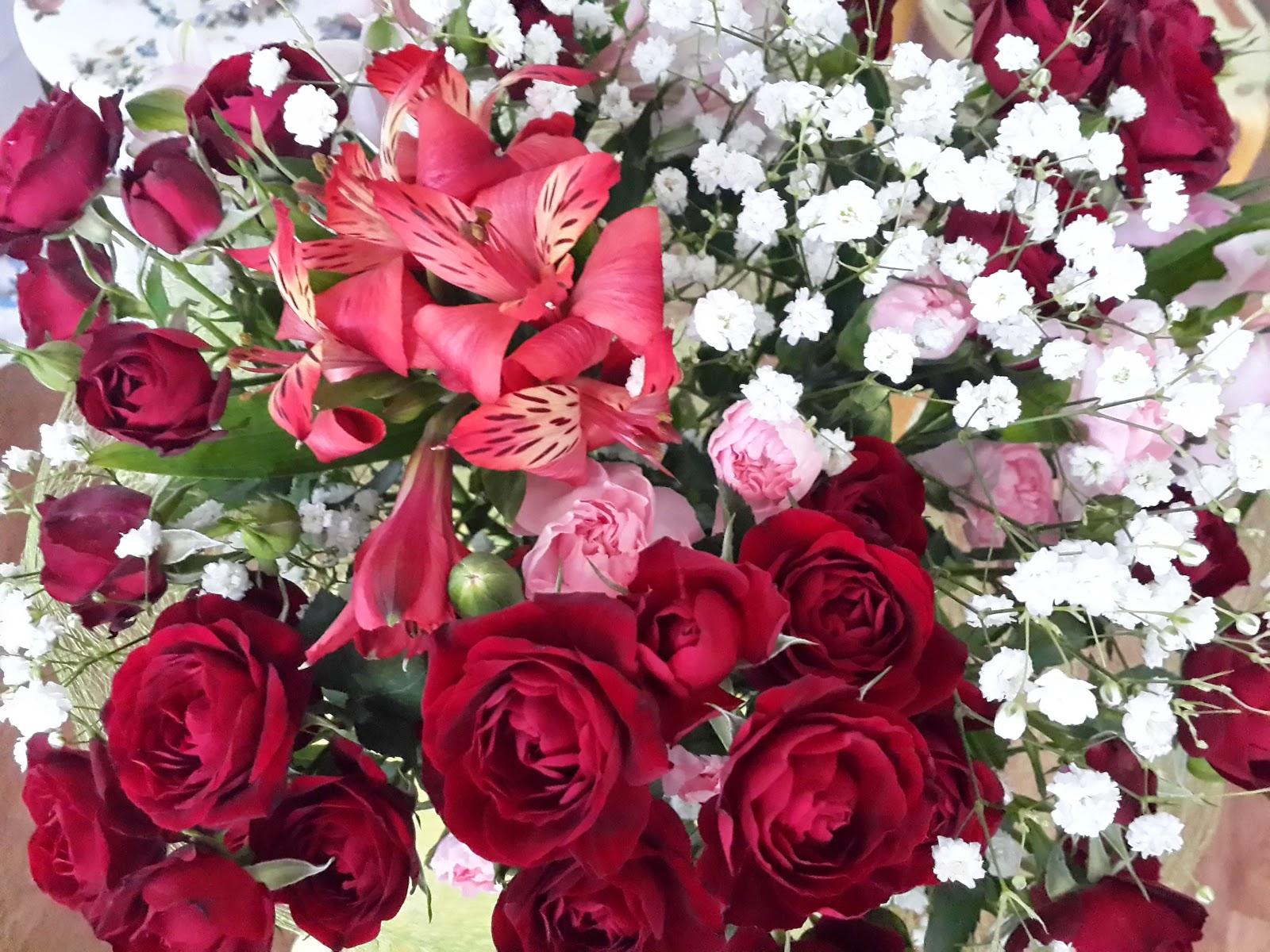 день мамы цветы розы букет