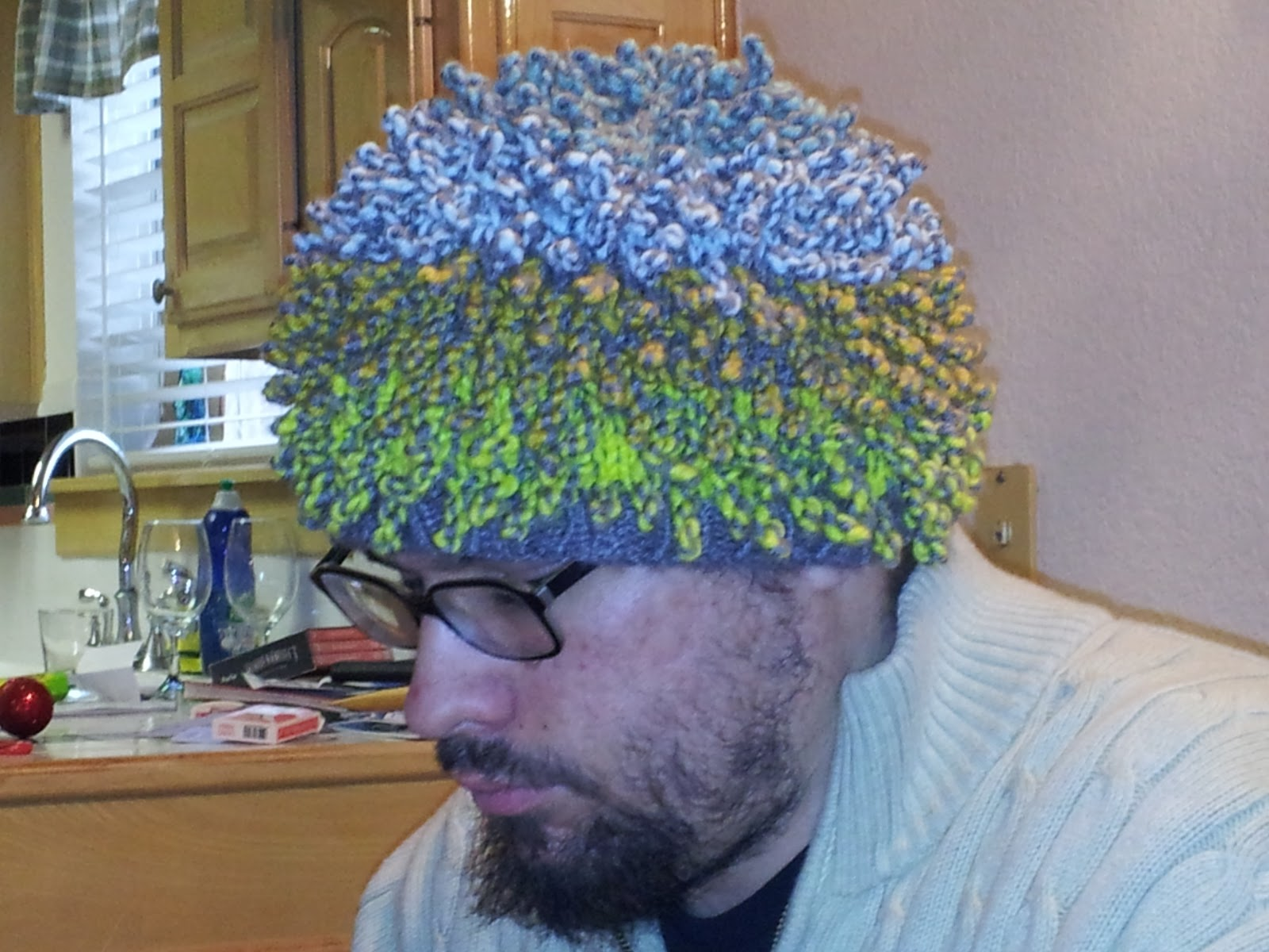 Knitting is a Romantic Drama: Knobbie Hat for Zero