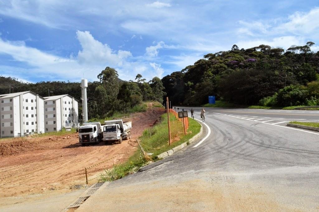 Obra de construção do viaduto da Ermitage está na fase de terraplenagem para a construção da primeira das quatro alças de acesso à Rodovia Rio-Bahia