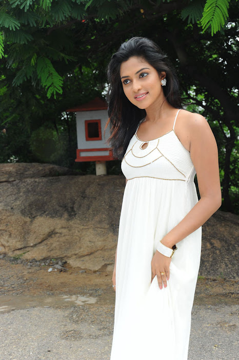 amala paul spicy galley in white dress at event hot images