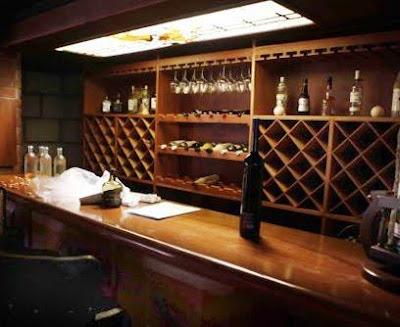 Cap tulo 5 el bar aprenda a preparar bebidas y c cteles - Barras de bar para salon ...