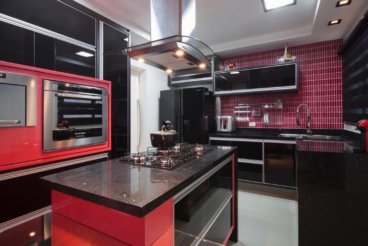 Cozinhas coloridas – veja modelos e dicas para aderir essa