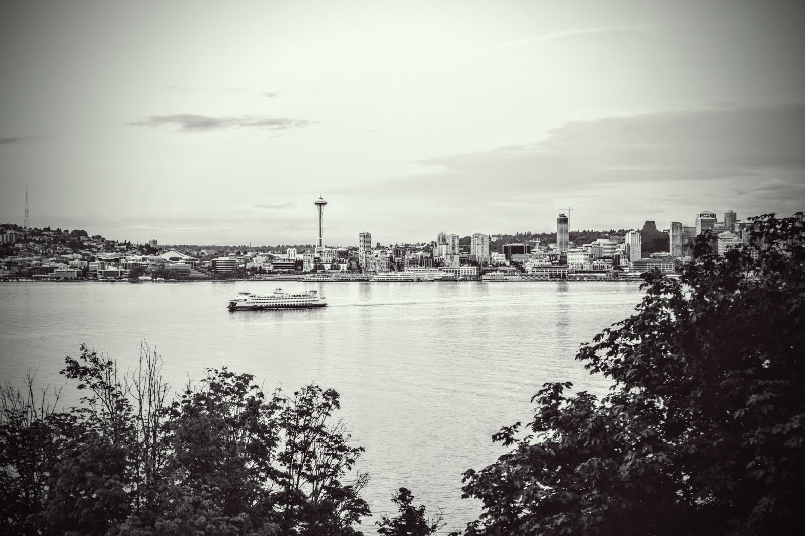 Seattle and Ferry -  © Mike Swartz