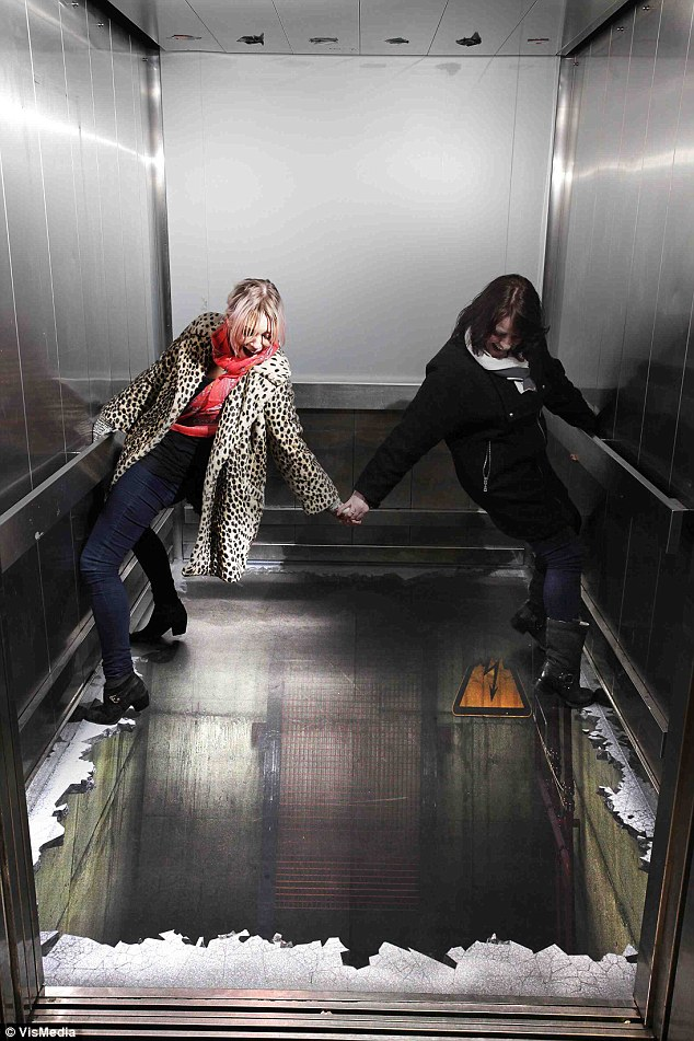 Lift-Paling-Menakutkan