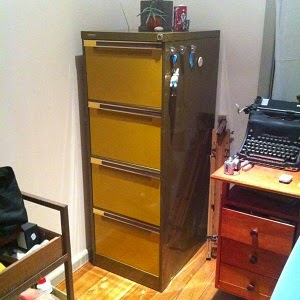 http://www.gumtree.com.au/s-ad/balwyn/other-furniture/retro-style-4-draw-filing-cabinet