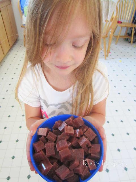Easy Strawberry Fruit Snacks by Raia's Recipes
