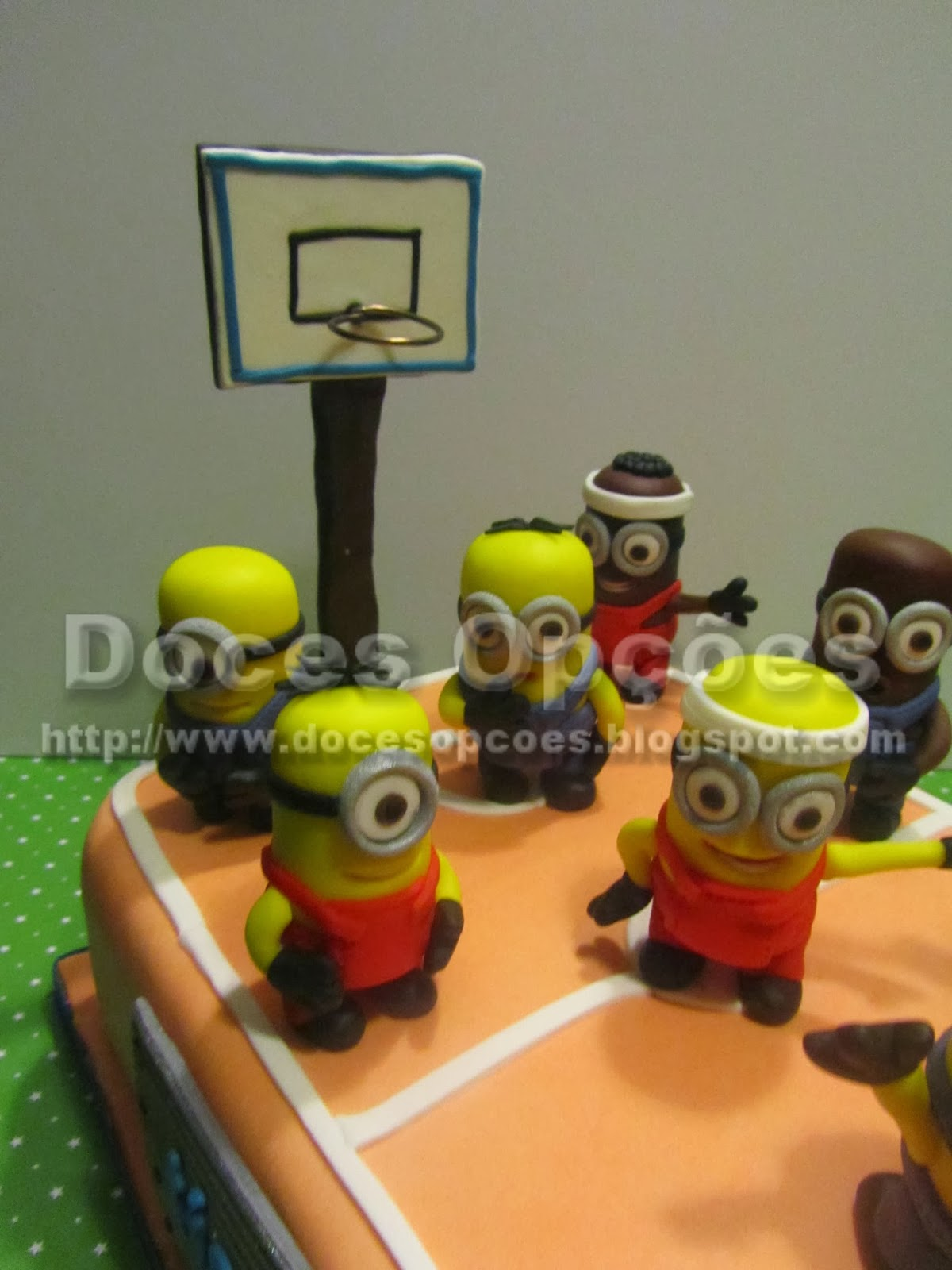 bolos aniversário Minions