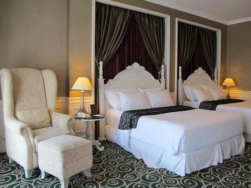 GH Universal Hotel Deluxe Double Queen Room