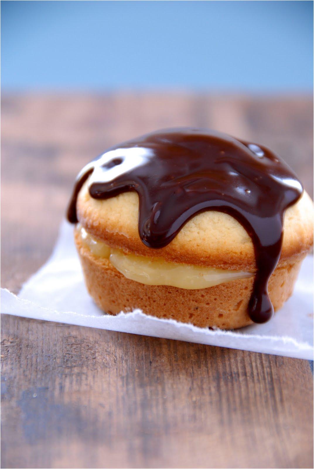 Gluten-Free Ratio Rally: Coconut Boston Cream Pie Cupcakes | Kumquat