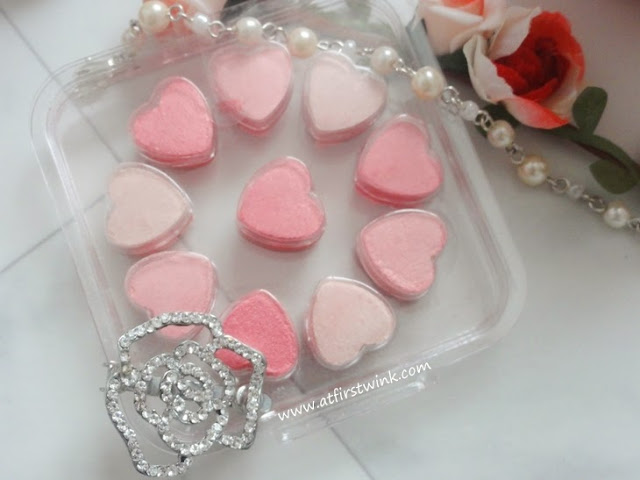 Etude House - Princess Etoinette Heart Blusher PK001 Pink Petal Kiss
