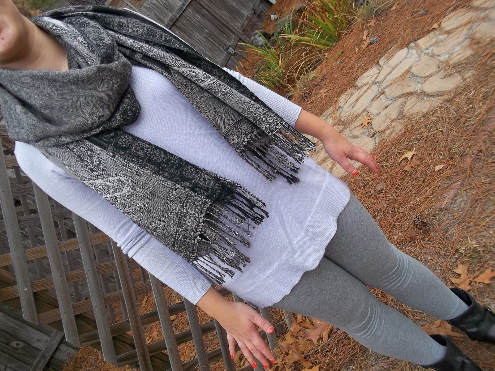 Lavender tunic sweater, grey leggings, black ankle boots, grey scarf.