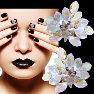 http://www.bijuteriifrumoase.ro/cumpara/crystals-for-nails-leaf-u03-11mm-1402