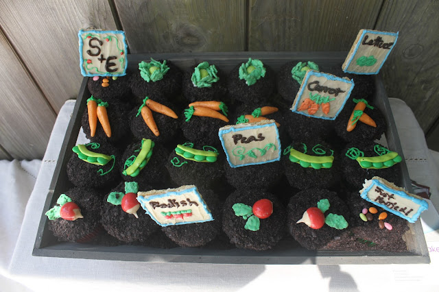 Garden Wedding Hello Cupcake