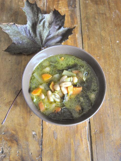 nespole e giuggiole: le bietole e il primo vero minestrone d'autunno - Come Si Cucina Il Minestrone