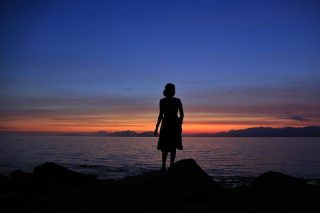 "<a href=""http://mataram.info/things-to-do-in-bali/visitindonesia-banda-marine-life-the-paradise-of-diving-topographic-point-inward-fundamental-maluku/"">Indonesia</a>best destinations : Photograph Story: Sunset Inwards Watomiten, Lembata"