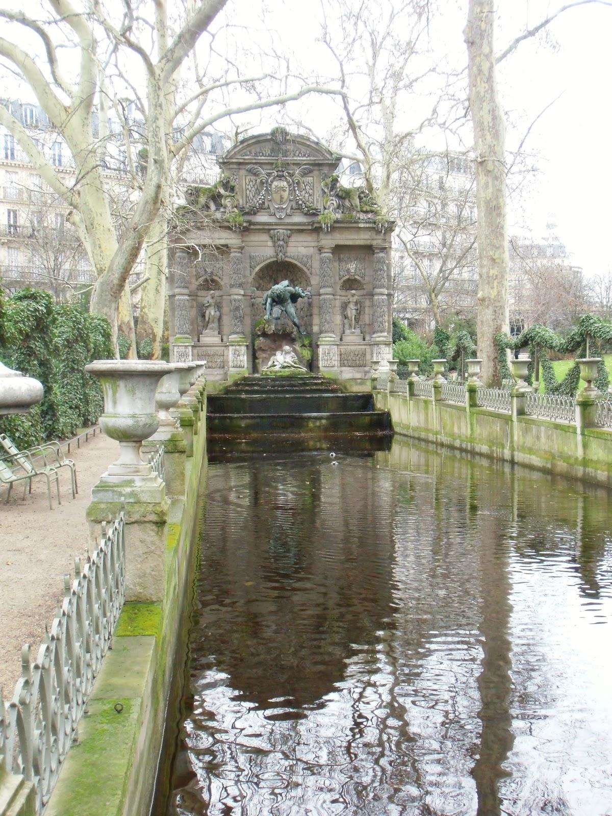 La rte le p re d 39 ulysse fontaine medicis paris vi me - Jardin d ulysse paris ...