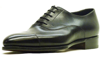 Buying a versatile black shoe: Reader question