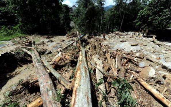 Gambar kejadian tanah runtuh di Km52.4 Lebuhraya KL-Karak