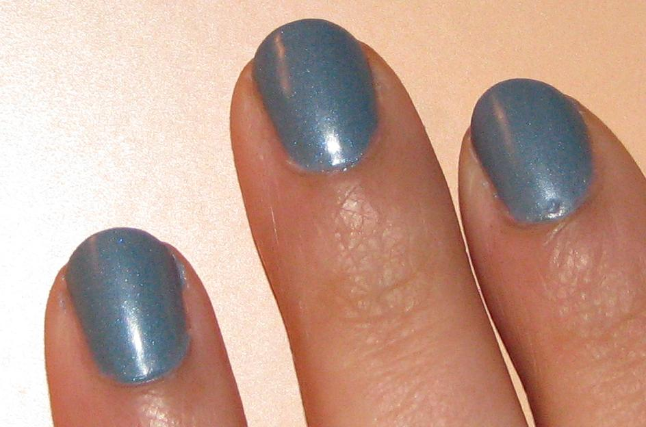 how to make matte nail polish with eyeshadow