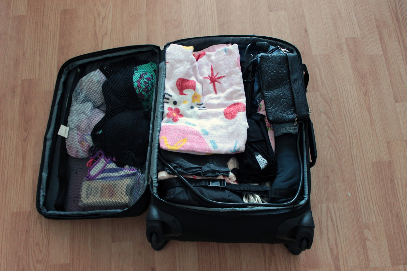 how to pack a suitcase for a cruise